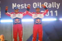 MOTORSPORT - WORLD RALLY CHAMPIONSHIP 2011 - FINLAND RALLY / RALLYE DE FINLANDE - JYVASKYLA (FIN) - 29 TO 31/07/2011 - PHOTO: FRANCOIS BAUDIN / DPPI -  01 SEBASTIEN LOEB (FRA) / DANIEL ELENA (MCO) - CITROËN DS3 WRC - CITROËN TOTAL WRT - AMBIANCE PODIUM
