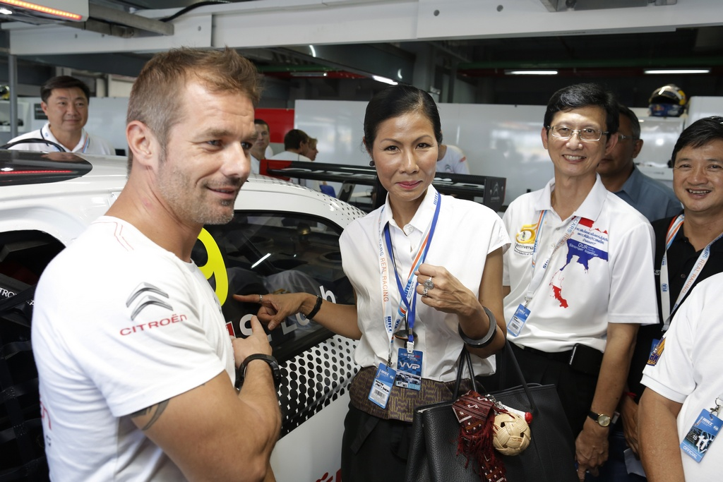 Ms Kobkarn Wattanavrankul (Ministry of tourism and Sports Thailand) LOEB Sebastien (fra) Citroen C Elysee team Citroen racing portrait ambiance during the 2015 FIA WTCC World Touring Car Championship race at Buriram from October  31h to November 1st  2015, Thailand. Photo Francois Flamand / DPPI