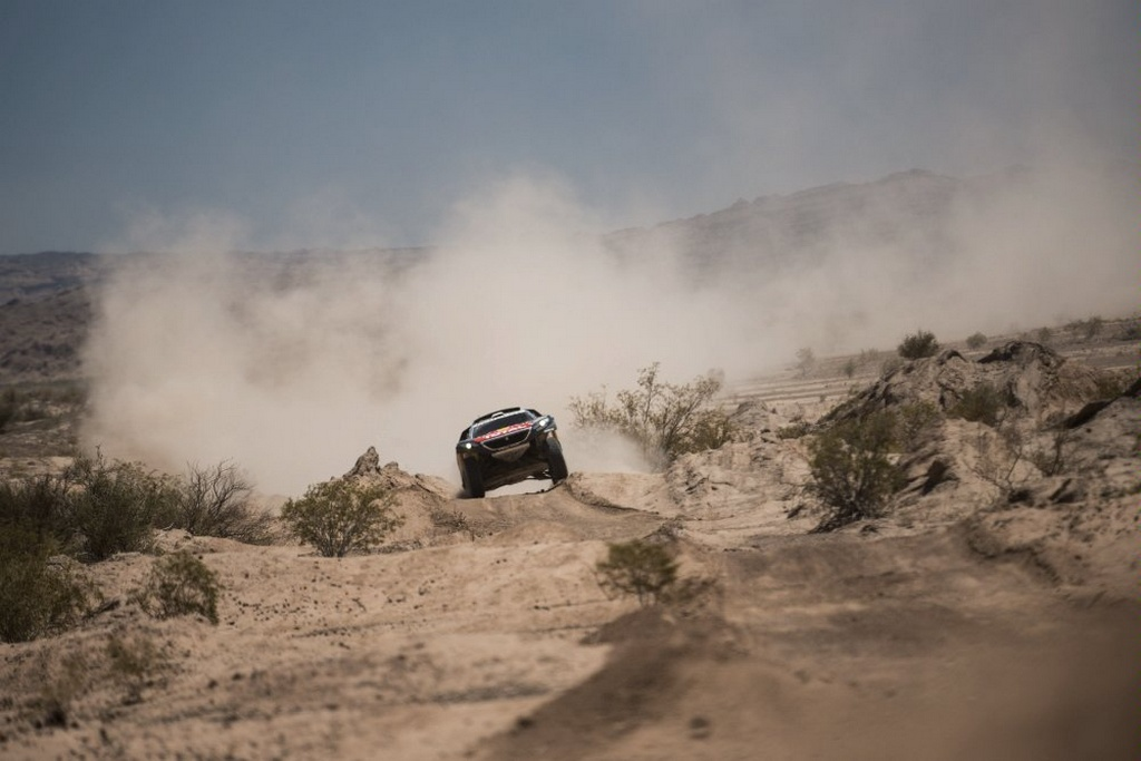 2016_Dakar_SebLoeb_01.jpg